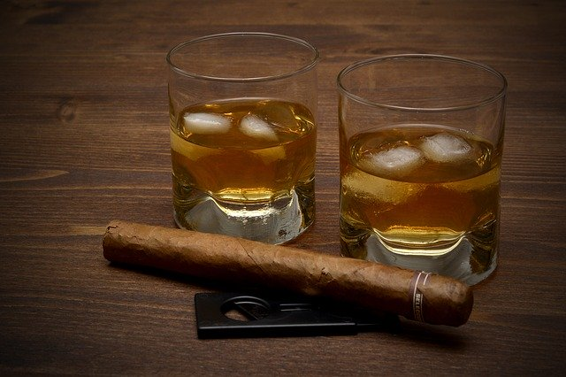 alkohol ve skle