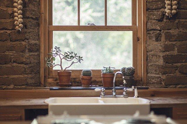 výhled v kuchyni
