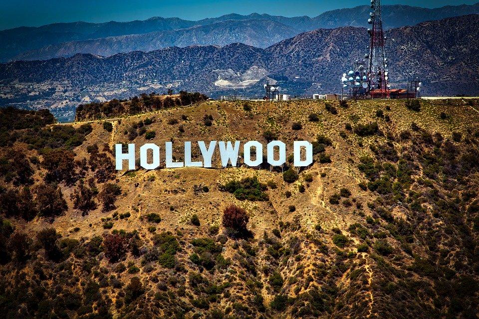 nápis hollywood