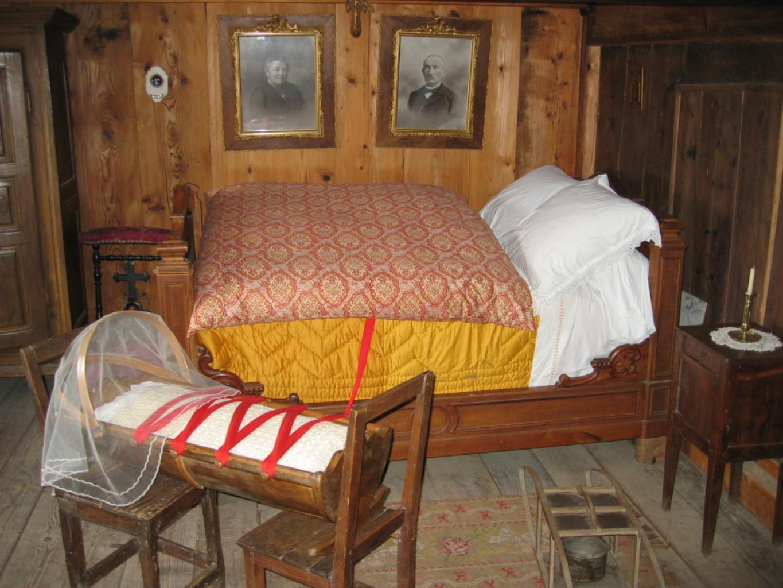 noční stolek1